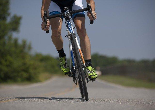 Les sites web et enseignes physiques pour obtenir un maillot de cyclisme personnalisé